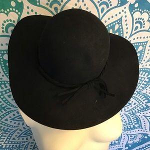 Floppy black boho hat